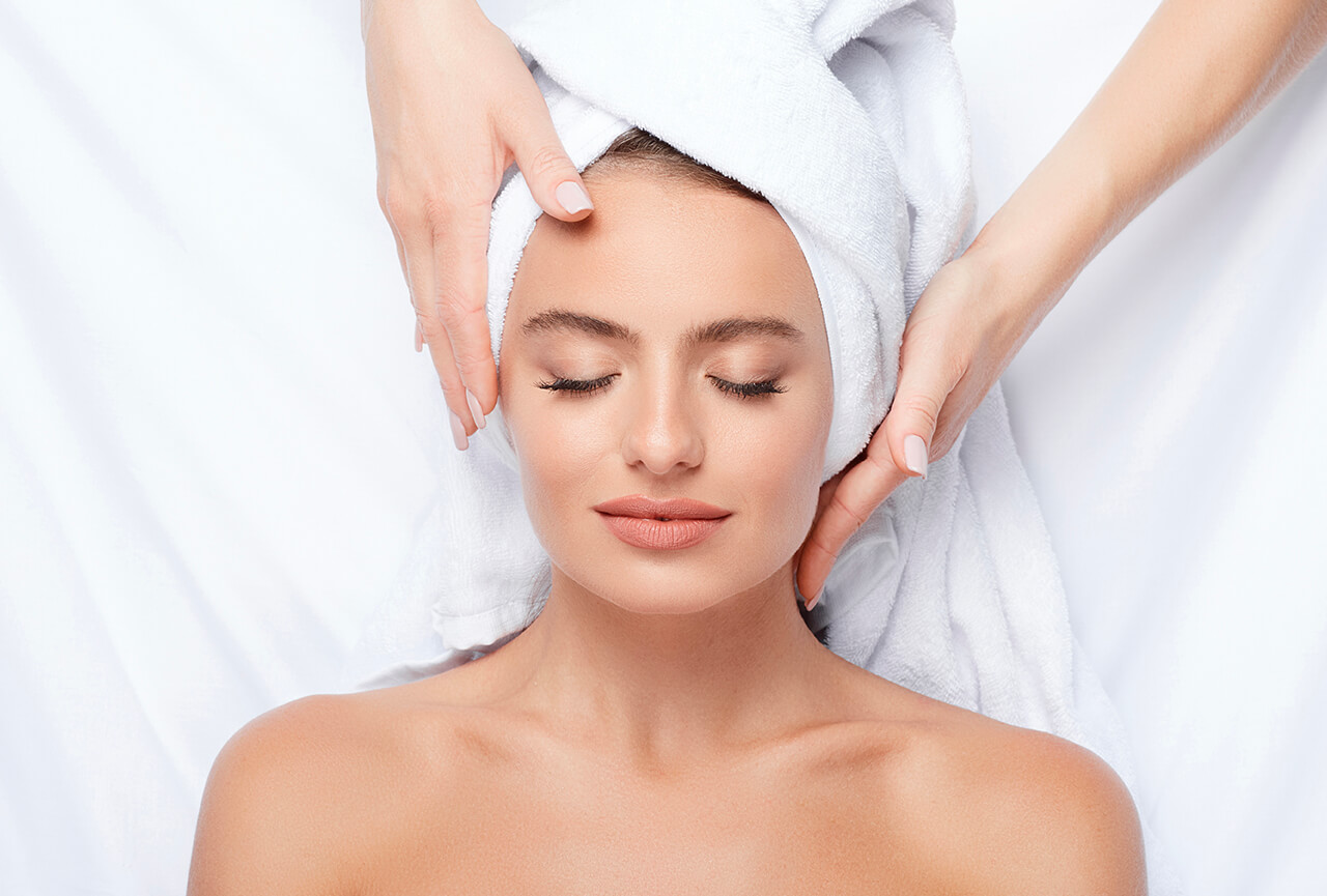 Laugar Spa Deluxe Facial